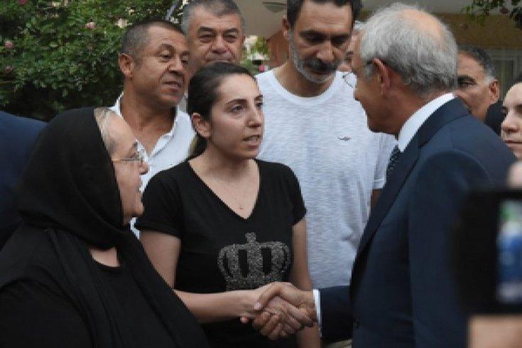 Kılıçdaroğlu, Hasan Tatlı'nın ailesine taziye ziyaretinde bulundu