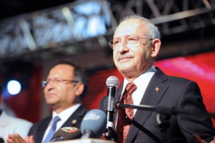 Kılıçdaroğlu, İzmir'de Roman dernek temsilcileriyle buluştu