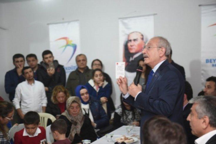 Kılıçdaroğlu, Kayseri'de Beylikdüzün'de bir apartman yönetimi toplantısına katıldı