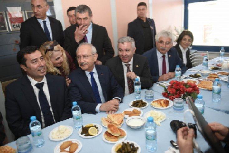 Kılıçdaroğlu, Kayseri'nin Pınarbaşı CHP İlçe Başkanlığı binasının açılışını gerçekleştirdi