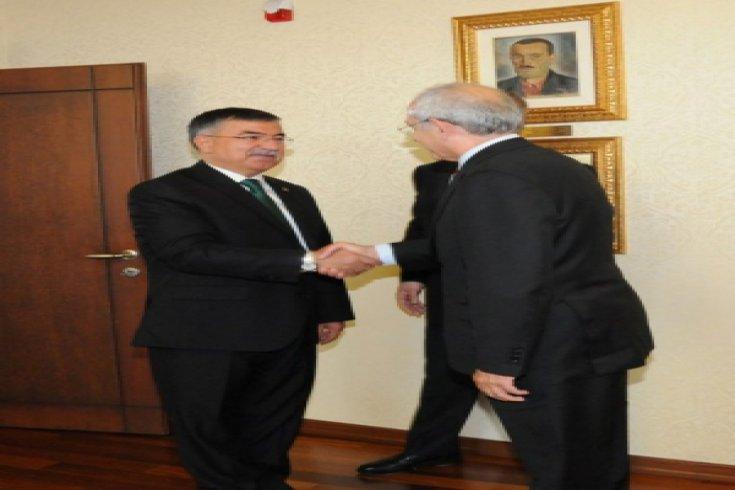 Kılıçdaroğlu; Milli Savunma Bakanı, AKP TBMM Başkan adayı İsmet Yılmaz'ı kabul etti