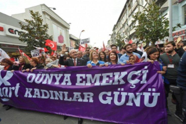 Kılıçdaroğlu, Sakarya'da kadınlarla yürüdü