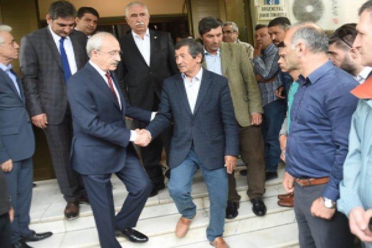 Kılıçdaroğlu, şehit Aydoğan Aydın'ın Ankara'da yaşayan ailesine taziye ziyaretinde bulundu