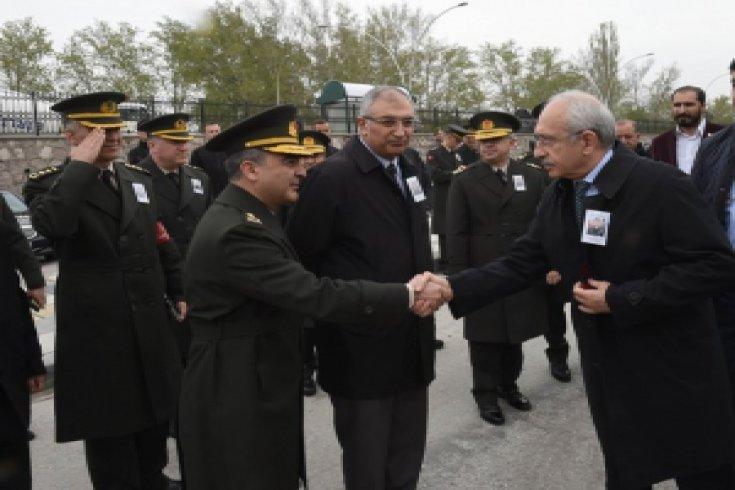 Kılıçdaroğlu, şehit düşen Üsteğmen Muhammed İsmail Kaya'nın cenaze törenine katıldı