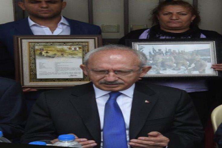 Kılıçdaroğlu, şehit er Tuncay Can'ın ailesine taziye ziyaretinde bulundu