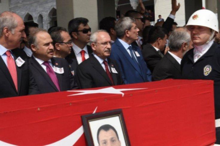 Kılıçdaroğlu, şehitler cenazesine katıldı