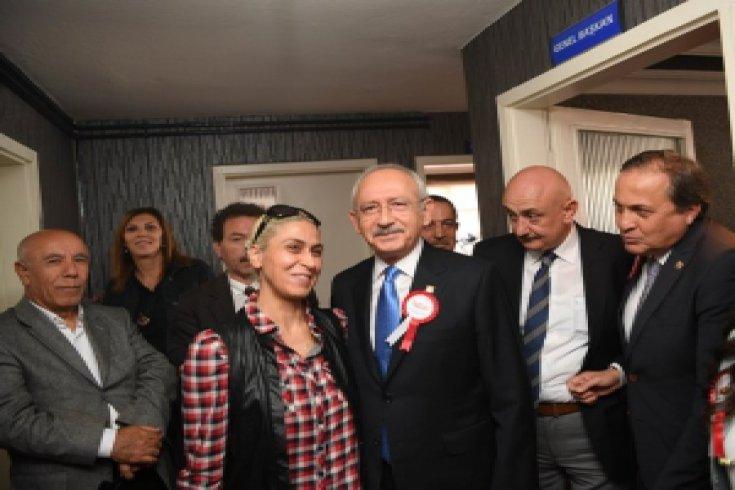 Kılıçdaroğlu, Türkiye Muhtarlar Konfederasyonu  Genel Merkezi'ni ziyaret etti