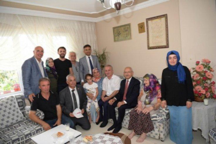 Kılıçdaroğlu'ndan CHP'li Mehmet Çakal'a ziyaret