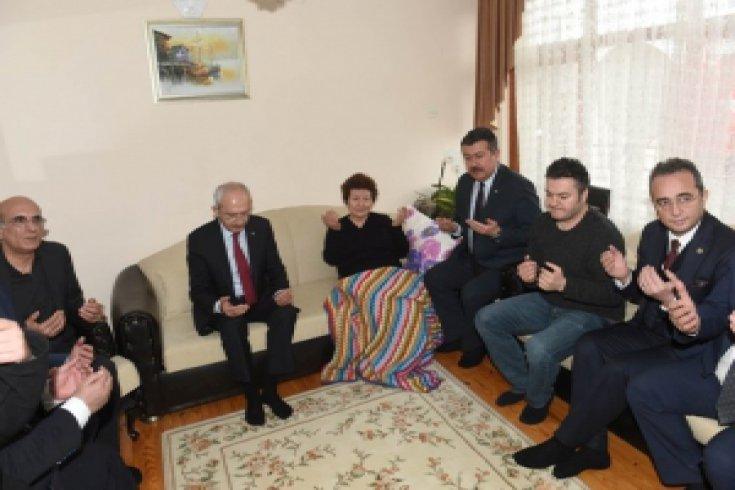 Kılıçdaroğlu'ndan Çorumlu ailesine taziye ziyareti