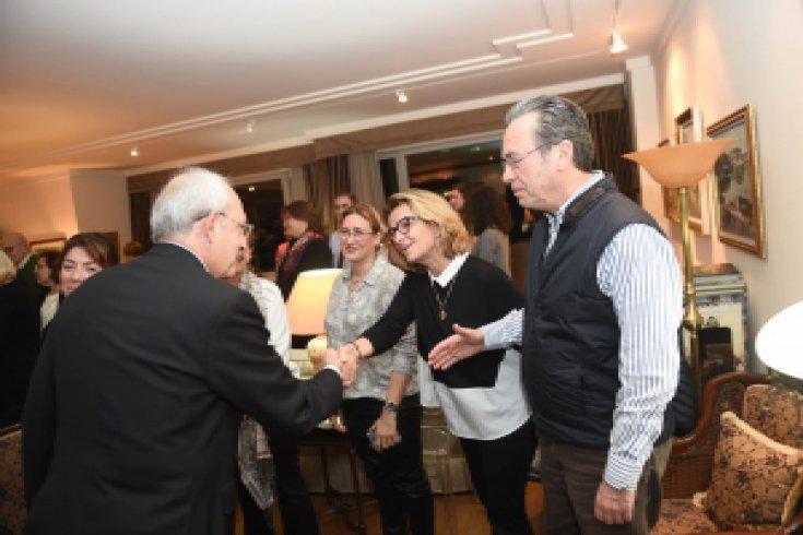 Kılıçdaroğlu'ndan Kağıtçıbaşı ailesine taziye ziyareti