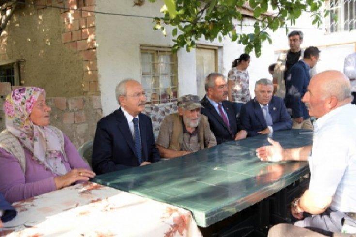 Kılıçdaroğlu'ndan şehit Muzaffer Tufaner'in ailesine taziye ziyareti
