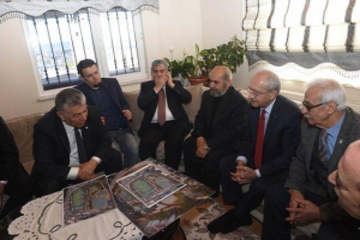 Kılıçdaroğlu'ndan, Şehit Üsteğmen Uğur Taşçı'nın ailesine taziye ziyareti