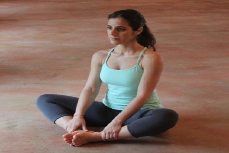 Omurga sağlığınız için 5 kolay yin yoga hareketi