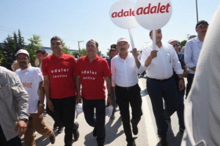 Sosyalist Enternasyonal Genel Sekreteri Luis Ayala 'Adalet Yürüyüşü'nde