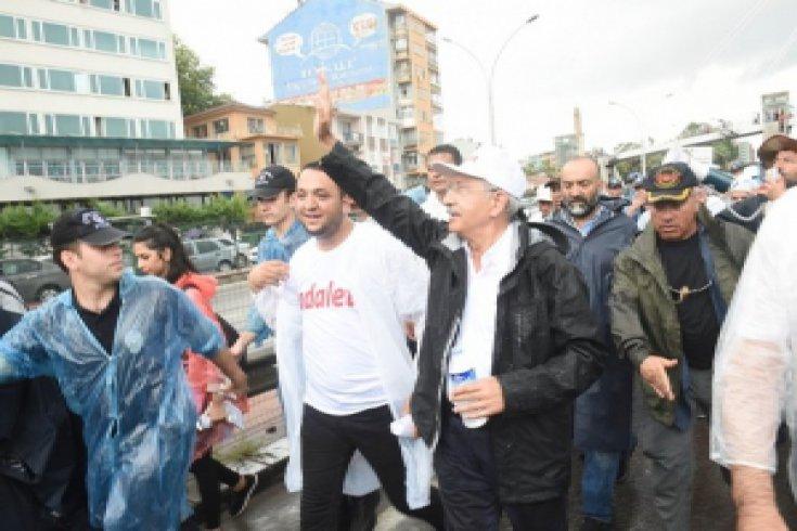 Yağmur altındaki Adalet Yürüyüşü 20. gününde
