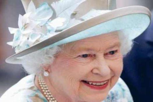 Kraliçeye torun sürprizi