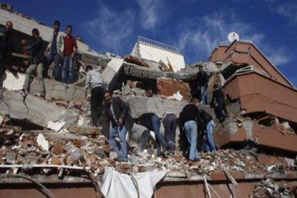 AKUT ekipleri deprem bölgesinde