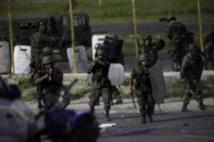 Havaalanında silahlı saldırı: 6 ölü