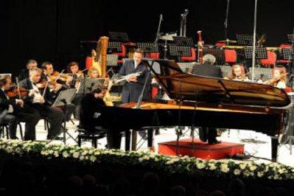 Piyano festivaline muhteşem açılış