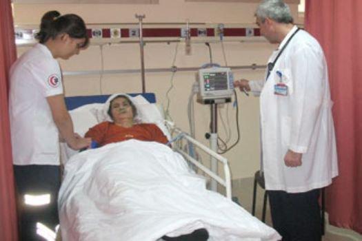 'Hastanede yatan hasta beslenemiyor'