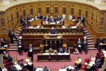 72 senatörden 'soykırım yasasına' iptal imzası