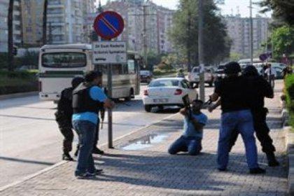 Adana'da Valilik bahçesinde intihar girişimi