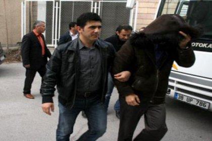 AK Partili Başkan ve 30 Kişi Gözaltında