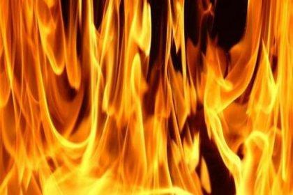 Aksaray'da iki çocuk evde yanarak öldü