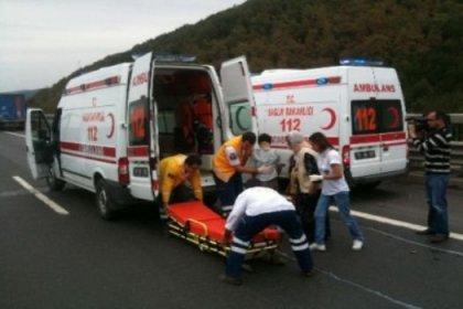 Ambulans, TIR'a çarptı: 1 ölü, 4 yaralı