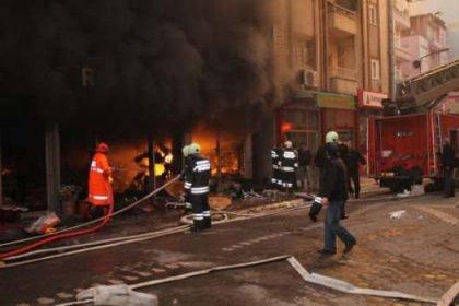 AVM'de yangın dehşeti