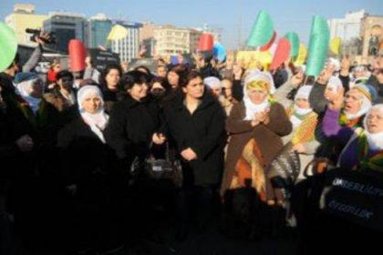 BDP'li kadınlardan Uludere protestosu