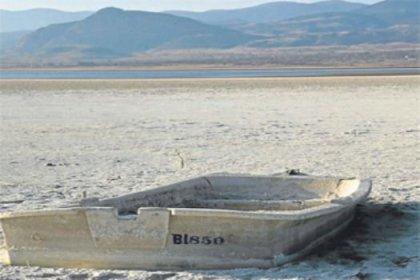 Burdur Gölü'nde alarm!