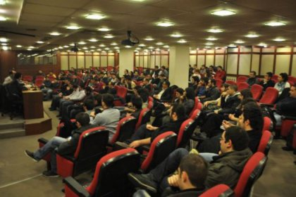 CHP'de Gençler Bugünü ve Yarını Konuşuyor