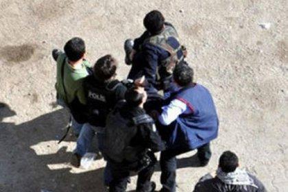 Cizre'de Saldırıya Uğrayan Polis Şehit Oldu