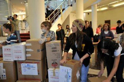 Depremzedeler için gönüllü çalıştılar