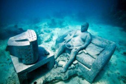 Dünyanın en ilginç heykel sergisi...