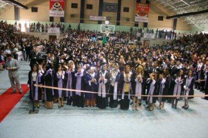 Erzincan Üniversitesi'nde Mezuniyet Çoşkusu