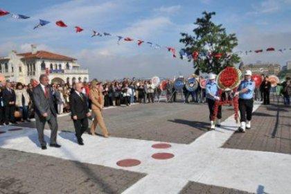 Kadıköy'de iki ayrı tören