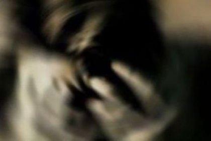 Karısını evde erkekle yakalayınca dehşet saçtı