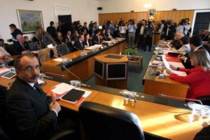 Komisyon'da 'Pinokyo' gerilimi