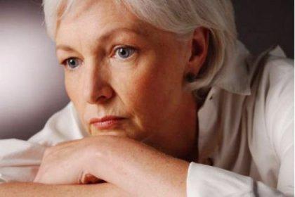 Menopoz Yaşı Tahmin Ediliyor