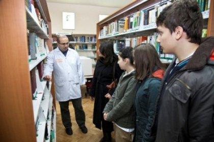 Okullar Aydos Kütüphanesi'ni tanıtıyor