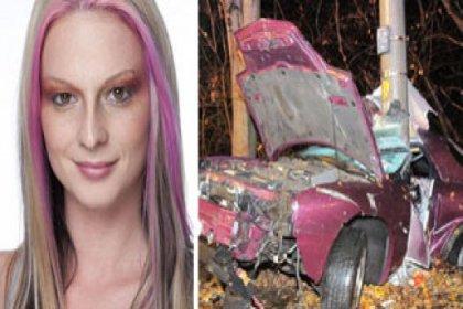 Playboy'a soyundu, kazada öldü