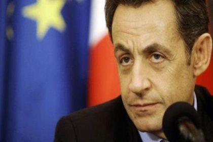 Sarkozy düğmeye bastı
