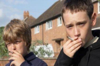 Sigaraya başlama yaşı düşüyor