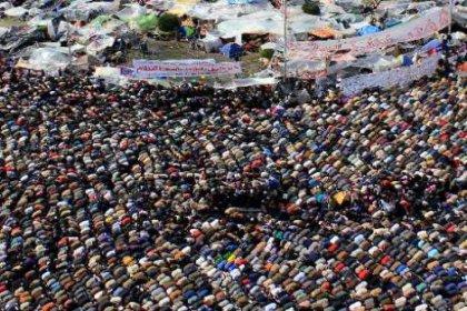 Tahrir'de eylem devam ediyor