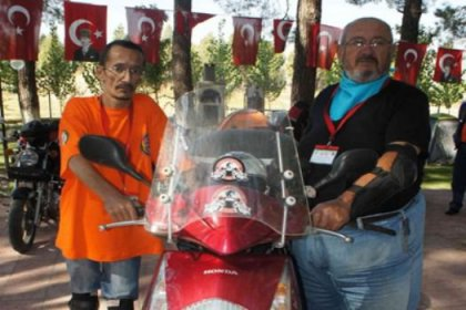 Türk motosikletçiler dünyayı geziyor