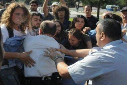 Üniversitelilerden Arınç protestosu
