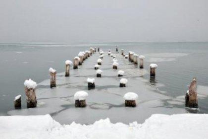 Van Gölü'nü Kar Kapladı