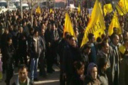 Van'da öğretmenler isyan etti